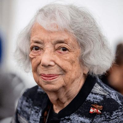 Vis à vis | Inforadio - Holocaust-Überlebende Margot Friedländer macht ihr Leben