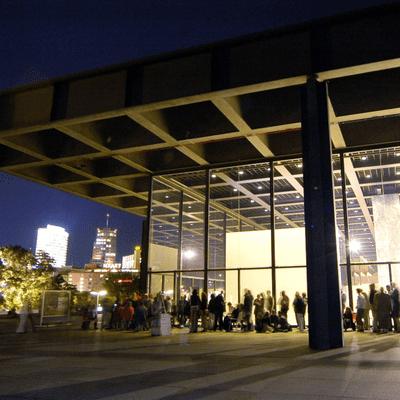 Vis à vis - Peter Raue: Mr. MoMA ist 80