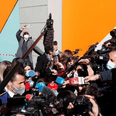 Sin Complejos - Sin Complejos. Terremoto político a causa de una moción de censura (20/03/2021 Programa completo)