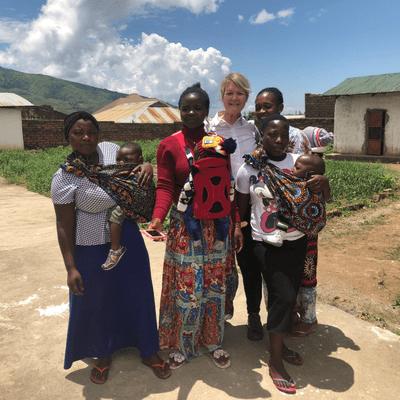 Tansania - Ein neues Bein für Princess und ein Eimer Wasser für die Reporterin