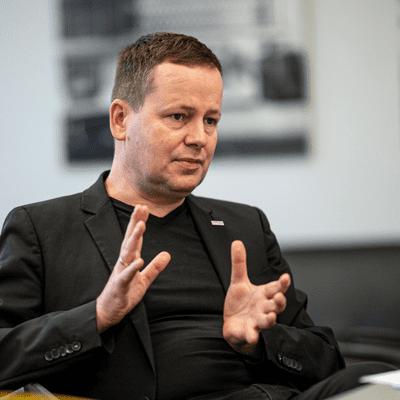 Vis à vis | Inforadio - Klaus Lederer über Kulturpolitik in Corona-Zeiten