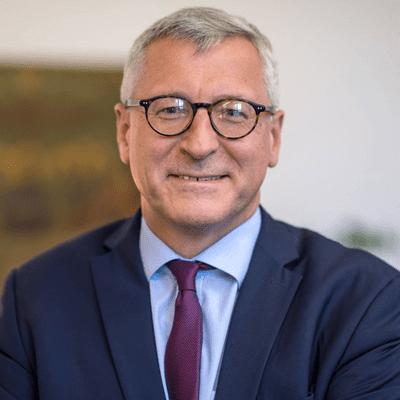 """Vis à vis - Militärbischof Bernhard Felmberg: """"Der Frieden ist Ziel unseres Handelns"""""""