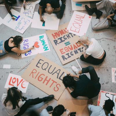 Vis à vis | Inforadio - Gleichberechtigung: Was machen die Schweden anders?