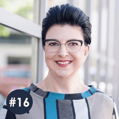 100 Frauen* - der Podcast über modernen Feminismus - #16 Michaela Stach // Akademie für Systemische Moderation