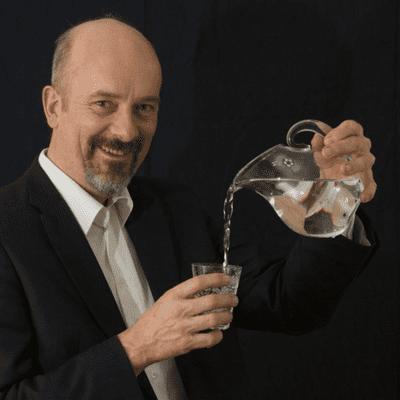"""Science Stories - Science Salon #5: """"Vand: det mærkligste stof i universet"""" med Søren Keiding"""